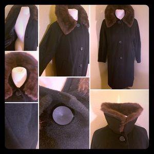 🌰📺60s ILGWU Lambs Wool Fur Collared Coat 🌰📺